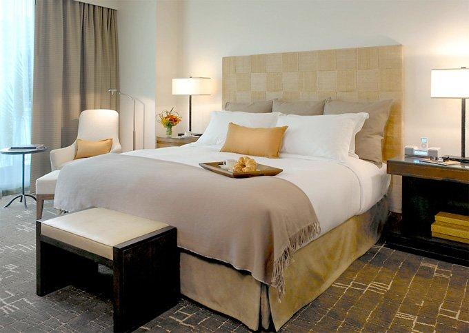 hotel-room-680uw